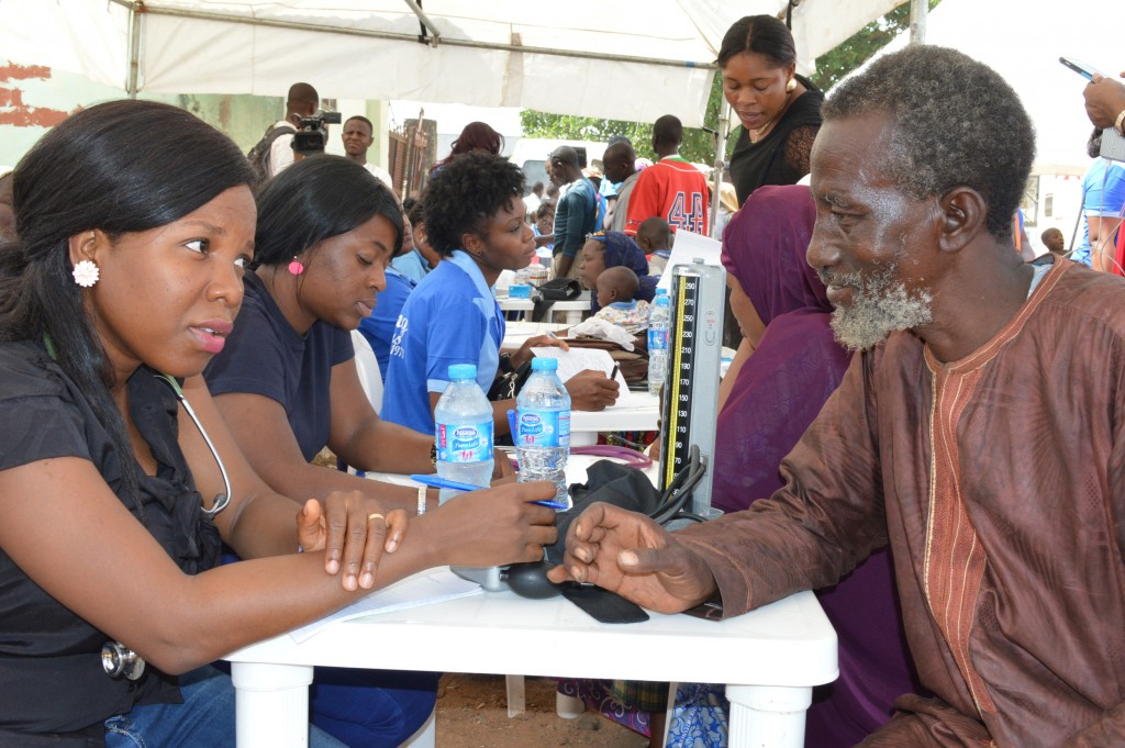 PIC.-1.-FGGC-MEDICAL-OUTREACH-TO-IDPS-CAMP-AT-DURUMI-IN-ABUJA-1024x681